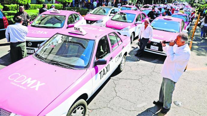 Taxistas protestan contra Uber