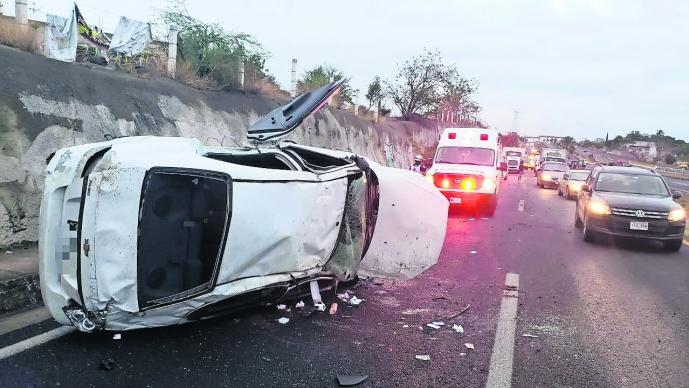 Automovilista mata atropella peatón