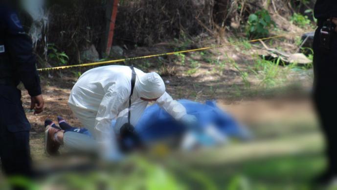 hallan cadáver maniatado bolsa en la cabeza muerto hombre cañón de lobos yautepec