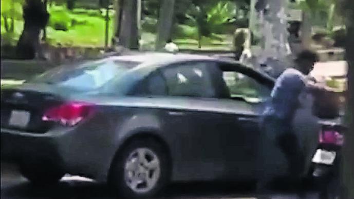 Motonetos roban 150 mil pesos a cuentahabientes en Acapulco