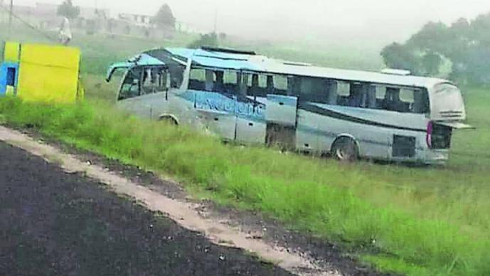 Conductor autobús murió volcar