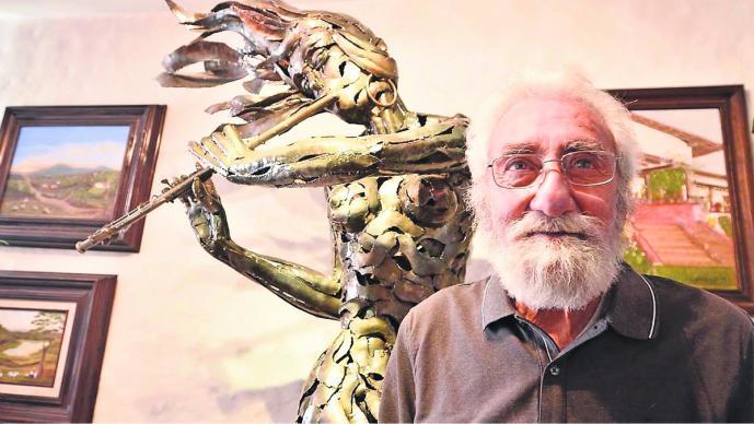 recuperan escultura hierro forjado desaparecida