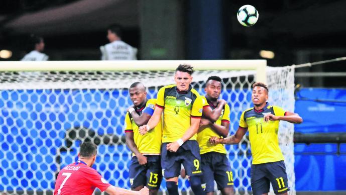 Chile gana Ecuador 2-1 Copa América