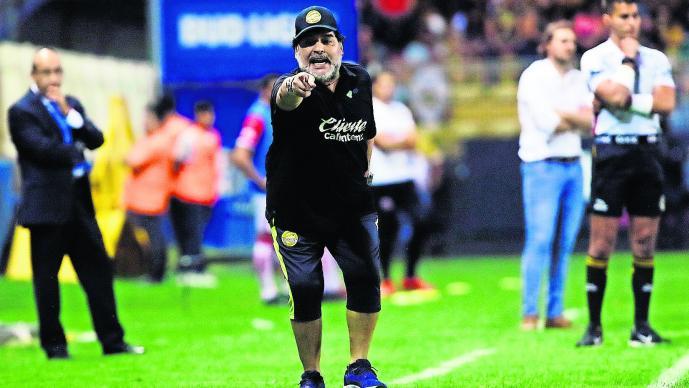 Diego Maradona dice no estar loco abogado