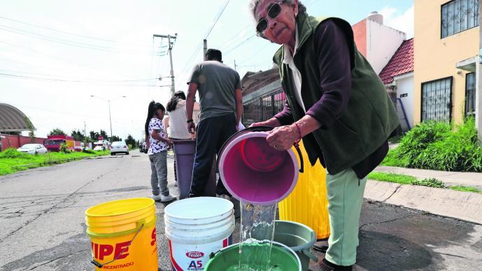 Sequía pega vecinos San Antonio la Isla