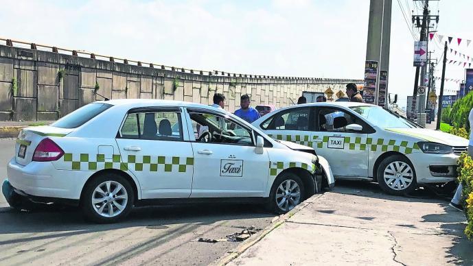 lesionadas choque dos taxis