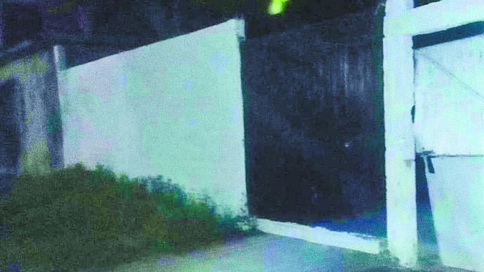 Acribillan a madre e hijo Irrumpen en casa Buscan presa Morelos