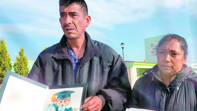 Denuncian abuso Inculpan a menor Supervisora Escolar Edomex Calimaya