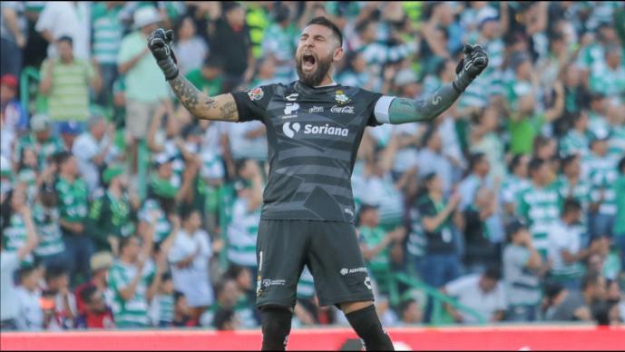 Santos aplasta a Chivas en el TSM
