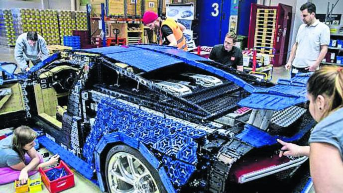 Bugatti Chiron Lego Andy Wallace réplica