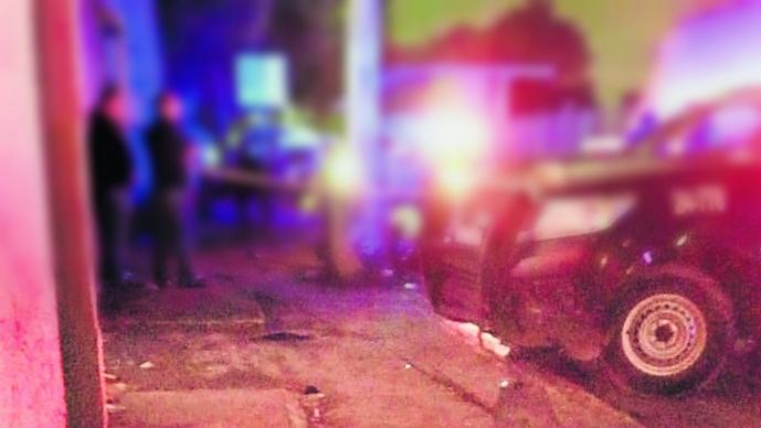 motoneta tripulantes chocan contra poste se embarran uno muere