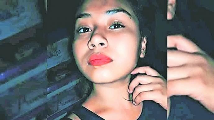 buscan alison desapareció  abordar taxi Morelos
