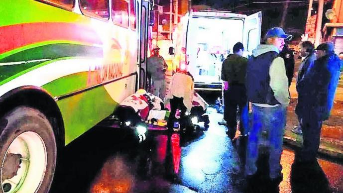 Camión atropella abuelo accidente vial