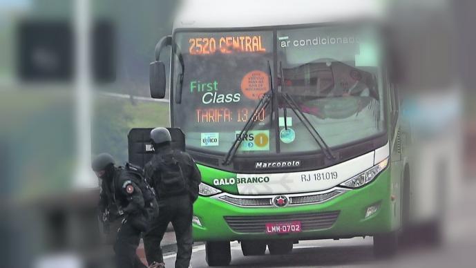 francotirador abate mata hombre secuestrador autobús pasajeros río de janeiro brasil