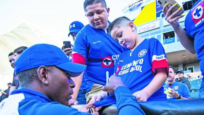 Cruz Azul pedro caixinha futbol bryan angulo refuerzo