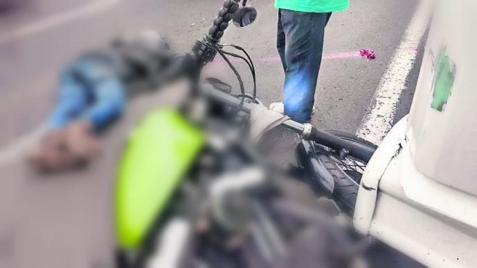 arrollan a motociclista en Edomex