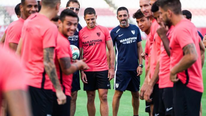¿Debutará este fin de semana 'Chicharito' con el Sevilla?