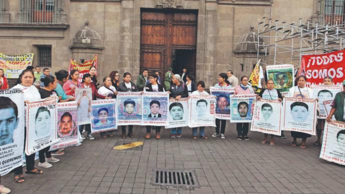 liberan por caso Ayotzinapa FGR Jesús Murillo Karam Tomás Zerón detenidos