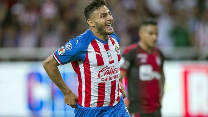 alexis vega delantero chivas guadalajara fanáticos convivencia gritan nalgón jugador
