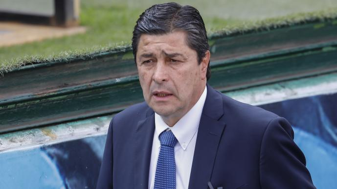 Chivas anuncia a Luis Fernando Tena como su nuevo técnico