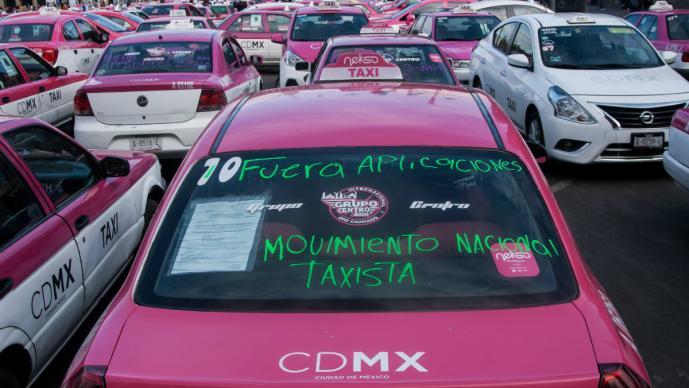 bloqueo protestas taxistas contra aplicaciones servicio privado uber cabify didi protestas caos vial