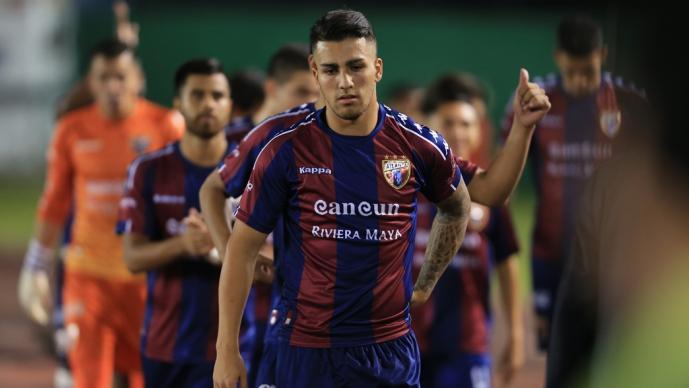 Ezequiel Esperón durante un juego en el 2019