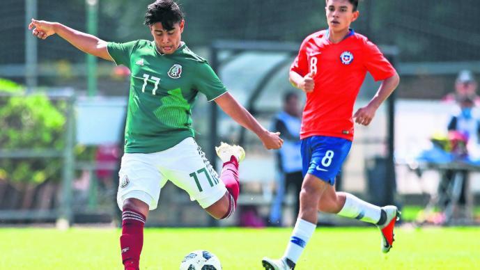 Efraín Álvarez Tricolor Mundial Sub 17