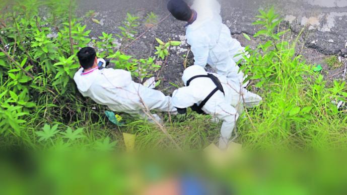 asesinan a golpes a hombre y arrojan su cuerpo en jardinera morelos