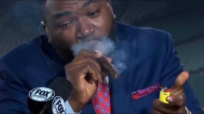 Big Papi fuma puro durante programa de televisión