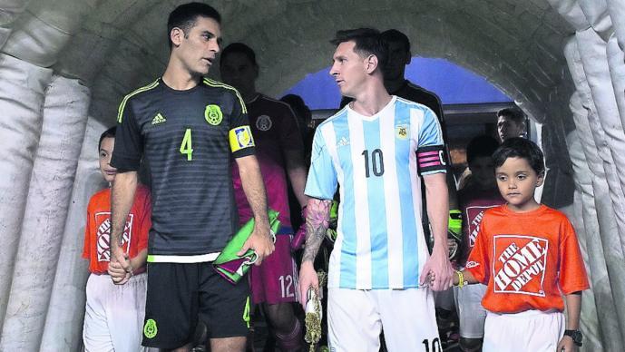 Lionel Messi Rafa Márquez fútbol internacional