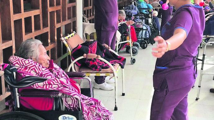 abuelos buscan calor en asilos edomex
