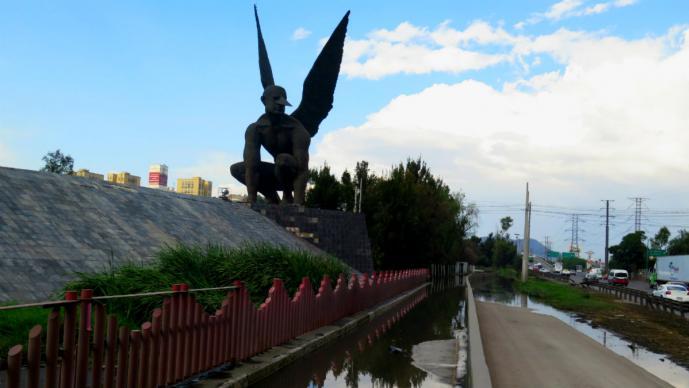 estatua el vigilante edomex autopista méxico pachuca problemas inseguridad vandalizada