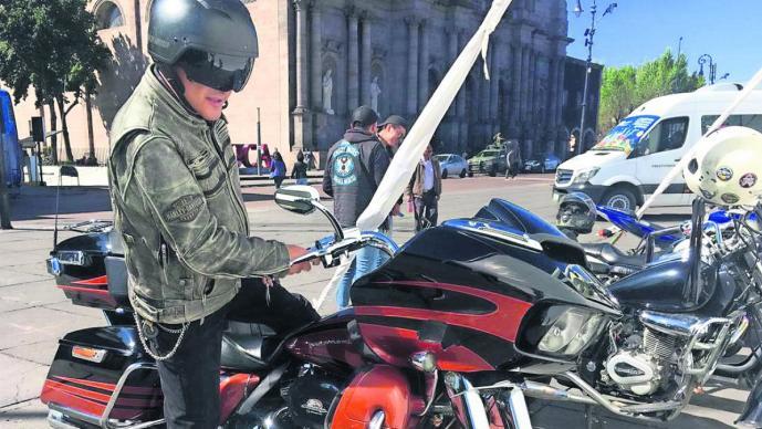 Bikers exigen mejores condiciones viales y respeto al conducir en Edomex