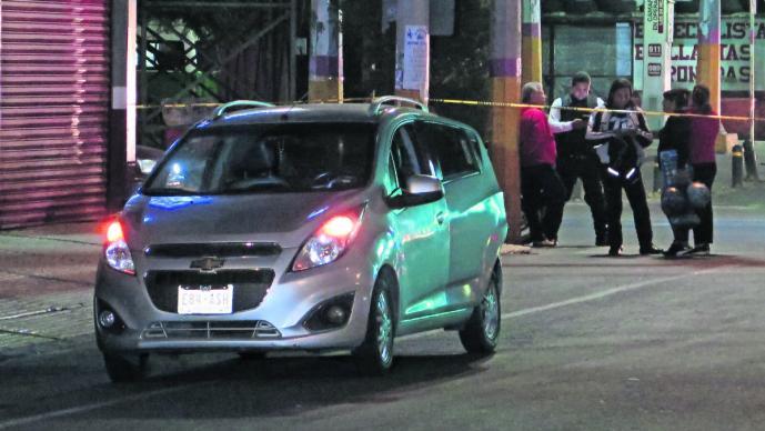 Sujetos armados interceptan pasajero Uber Neza