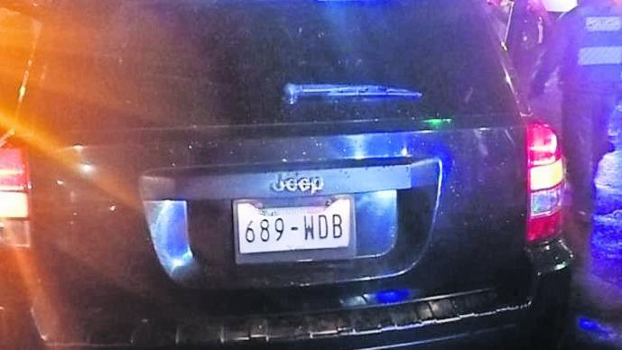 Asesinan a balazos a conductor mientras conducía en Iztacalco; chocó con su automóvil