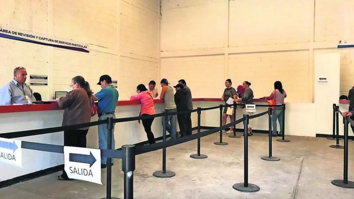 Se vence plazo para reemplacar en Morelos y las oficinas de Movilidad lucen vacías