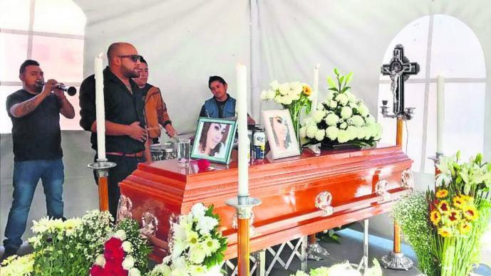 Dan el último adiós a Cintya, la joven encontrada sin vida a bordo de un taxi en CDMX