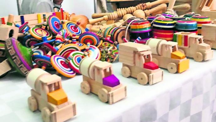 productores aresanos juguetes artesanales tradición edomex