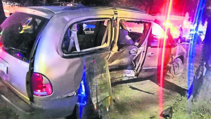 Huye de balacera en Edomex y choca contra camioneta, donde murió uno de sus ocupantes