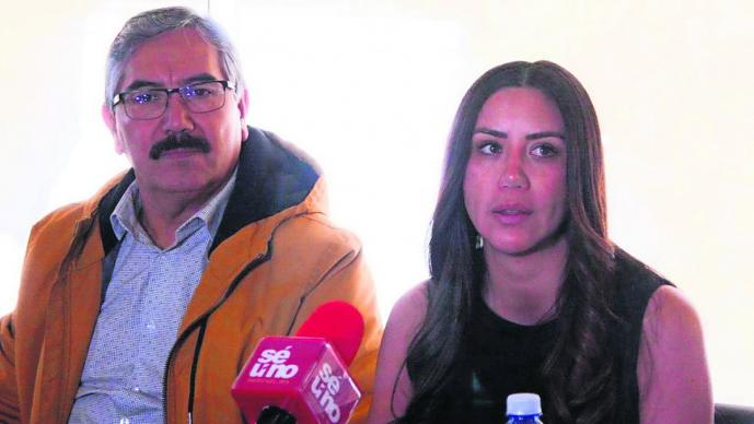 Hija del alcalde de Morelos que murió en accidente aéreo teme por su vida y su familia