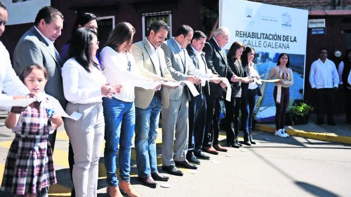 Gobernador de Morelos entrega calles rehabilitadas en la colonia Antonio Barona