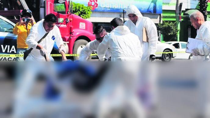 Adulto de la tercera edad fallece tras ser arrollado por pipa de agua en Morelos