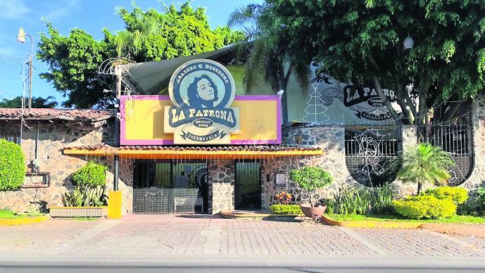 """Cierra bar 'La Patrona' tras ola de violencia en Morelos, no quieren formar parte de """"guerra"""""""