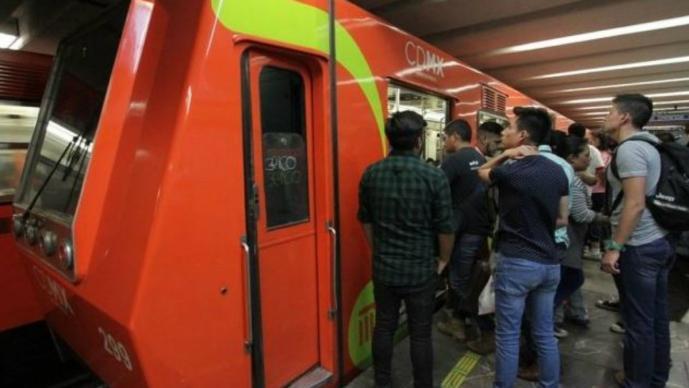 Muere atropellada menor de secundaria en las vías del Metro Nezahualcóyotl, en CDMX