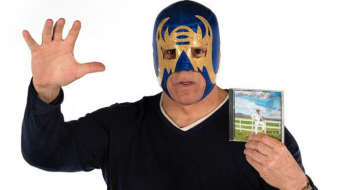 La lucha libre deja de ser prioridad de Máscara Año 2000 y se rifa como cantante