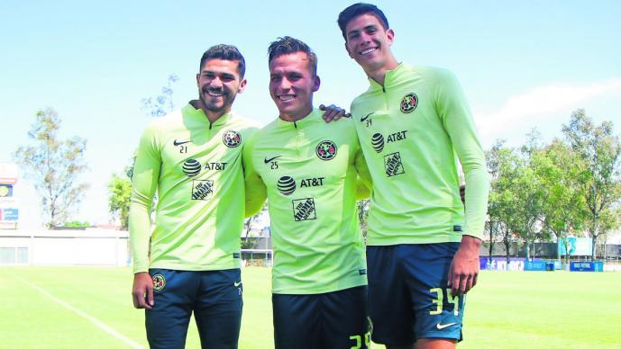 Miguel Herrera rediseña su 11 ideal, en él incluye a Giovanni Dos Santos y Memo Ochoa