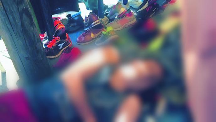 Ejecutan a balazos a un comerciante en su puesto de ropa, en Venustiano Carranza