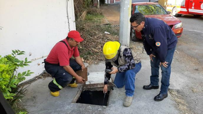 Activan alerta por presunta fuga de gas, pero eran heces fecales en el drenaje de Morelos