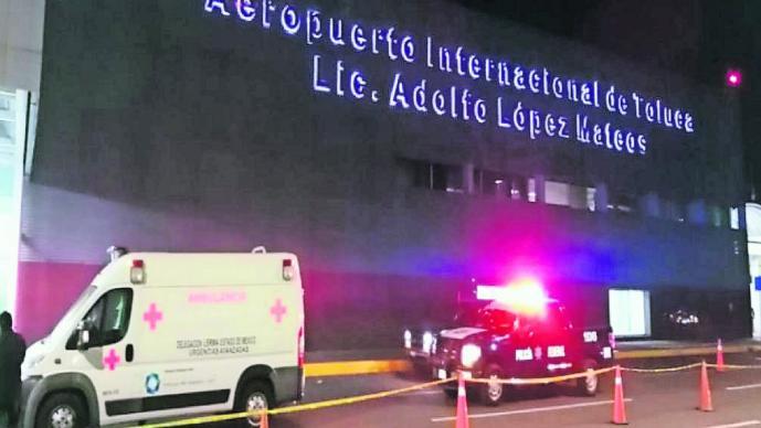Apuñalan a hombre en Aeropuerto de Toluca y muere tiempo después en ambulancia