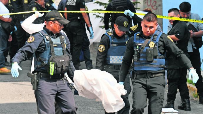 Asesinan de 20 balazos a dos presuntos dealers en calles de la Gustavo A. Madero